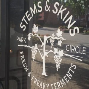 Ultimate Park Circle Happy Hour Guide - Stems & Skins