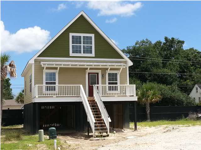 1019 Hunley Waters Cir. - Available NOW!
