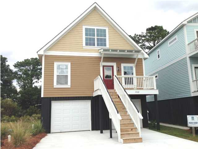 1022 Hunley Waters Cir - Available NOW!