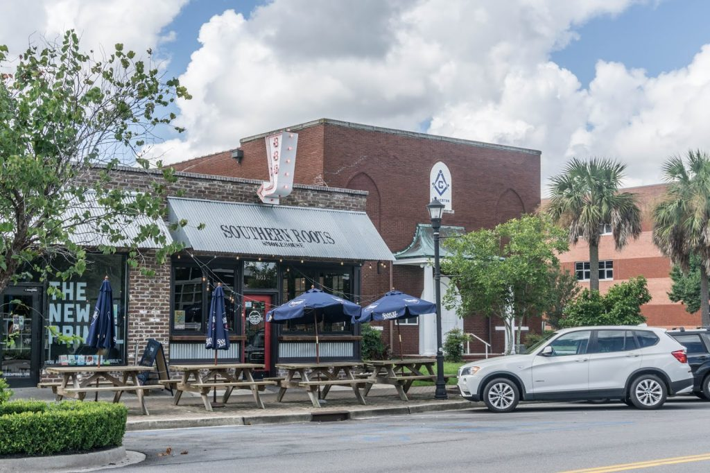 Southern Roots Smokehouse Outdoor Patio